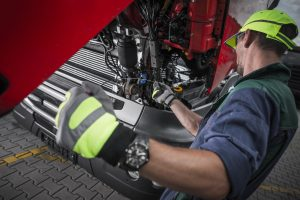 El mantenimiento regular de los camiones es un factor para reducir los costes de la flota